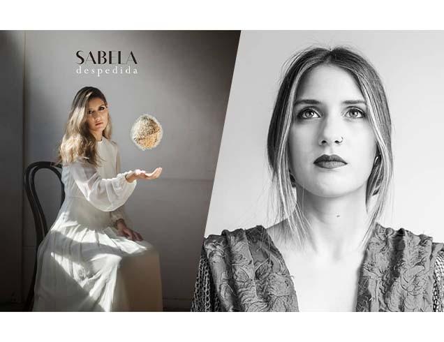 "Fotos: @Sabelamusic_ / Izquierda: Portada de disco ""Despedida"" Arte y foto: @davidcatart / Derecha: @luciar_"