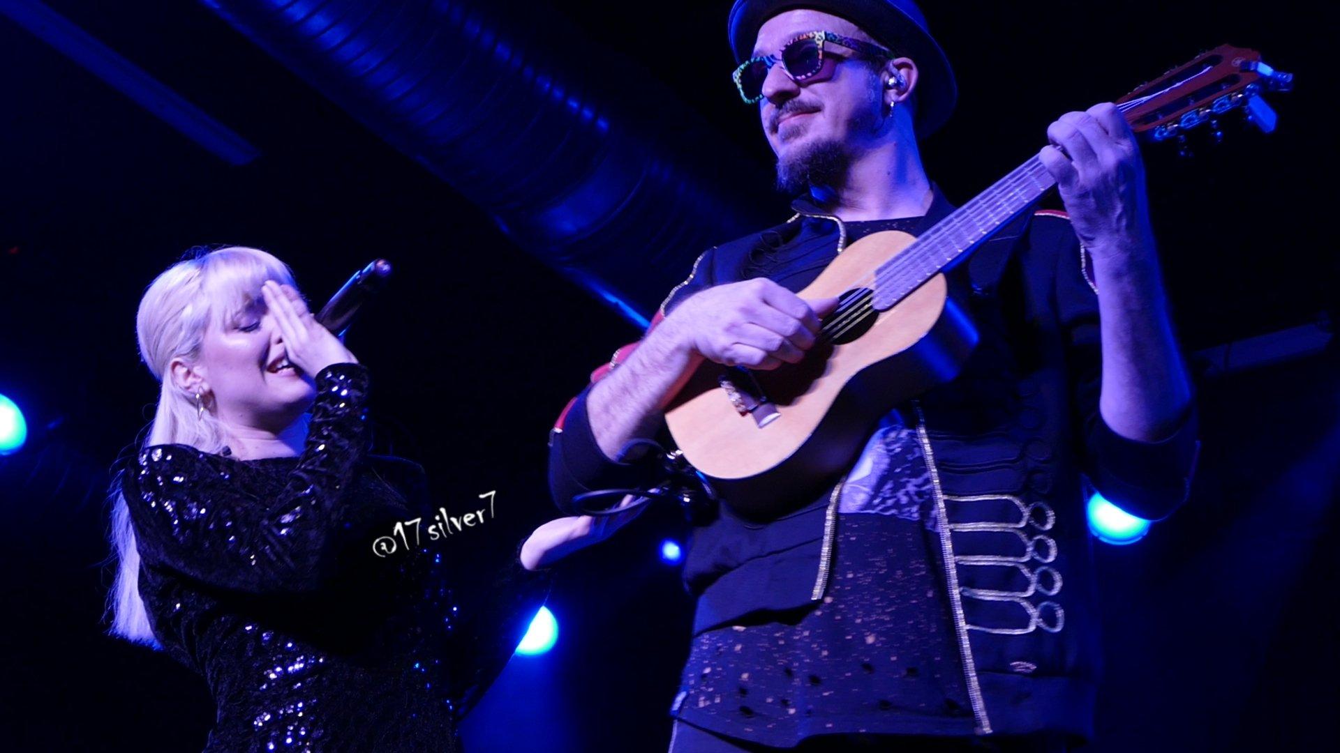 Alba Reche junto a Ismael Guijarro - Quimera Tour Sevilla / Foto: Artivist - @17Silver7
