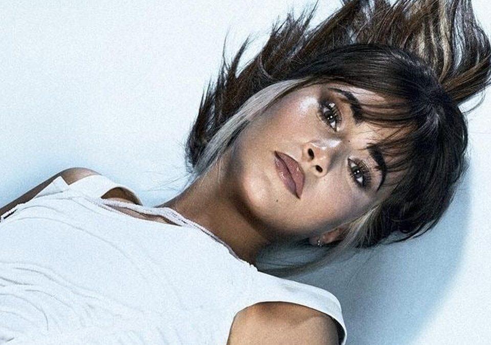 "Aitana presenta su nuevo single ""11 Razones"""