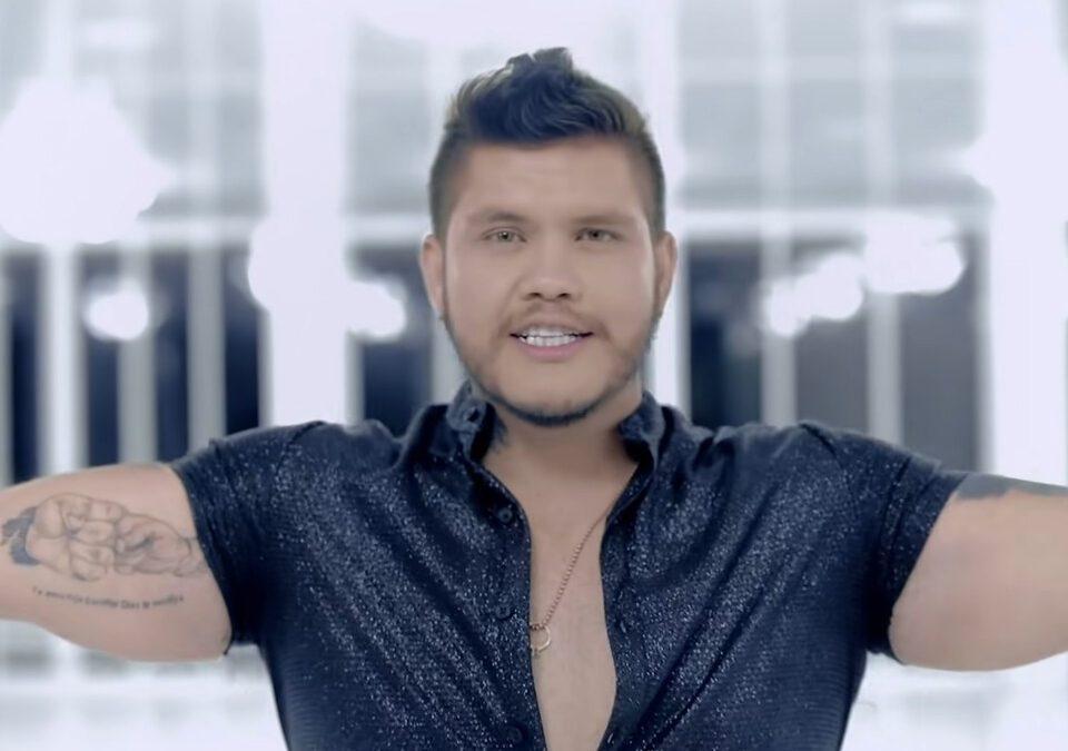 Miller Sebástian en su último sencillo 'La Reina De Las Mentiras'