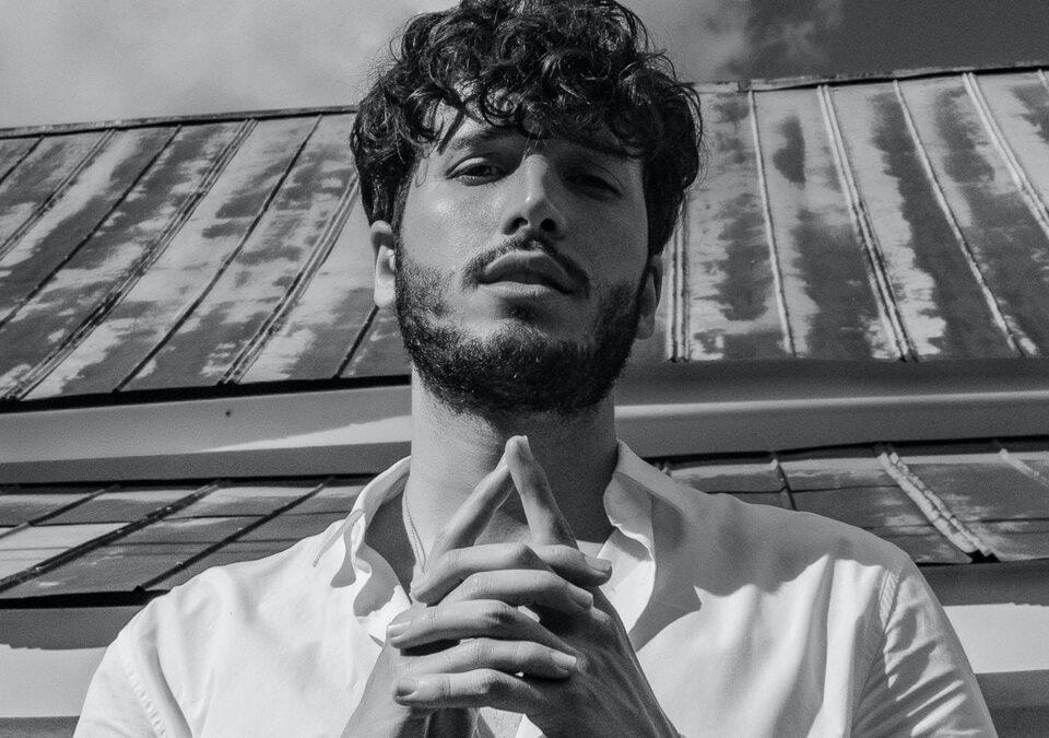 Sebastián Yatra se posiciona #1 en las listas de radio Latin Airplay