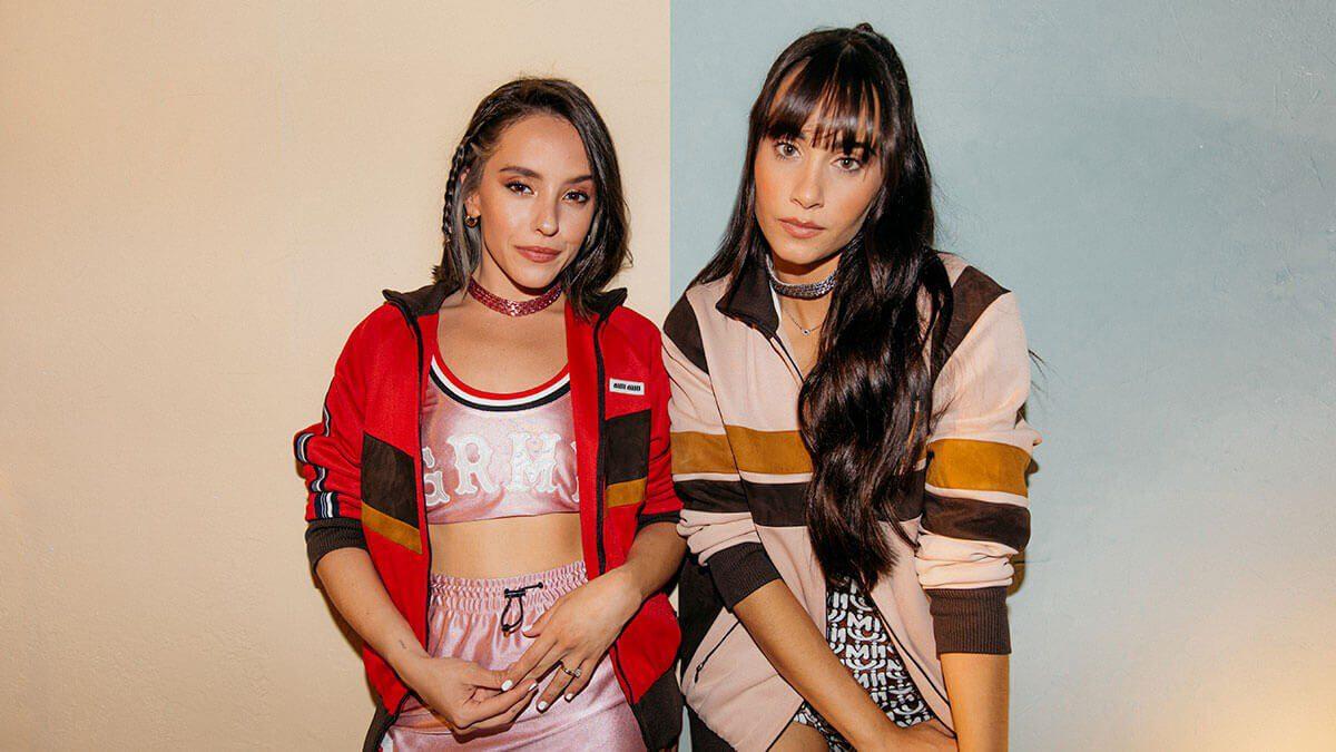 """Aitana y Evaluna Montaner estrenan su esperada colaboración """"Aunque no sea conmigo"""" / Foto: Universal Music Group"""